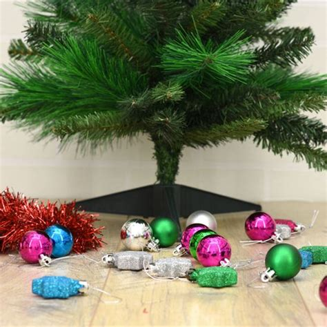 best faux eco friendly christmas tree choosing an eco friendly artificial tree green homes earth news