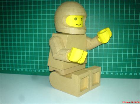 How To Make A Paper Lego - lego model paperbotz