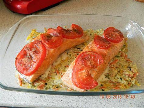 cuisiner pavé de saumon recette de pav 233 de saumon et sa julienne de l 233 gumes