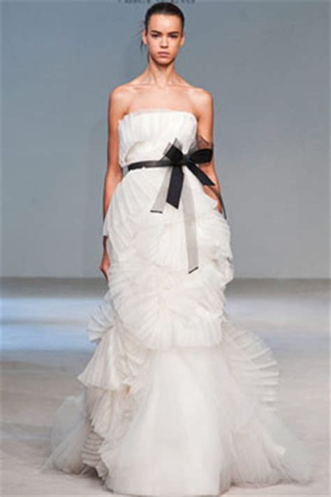 vera wang to design a line for david's bridal    the cut