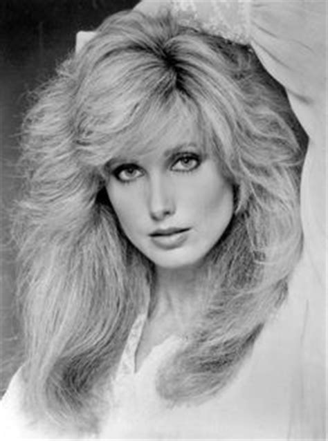 phots of donna mills curly frosted 90s hairstyle http descalzasfamosas5 blogspot com es 2012 01 pajas