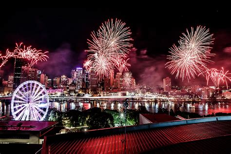 new year the valley brisbane puttin on the ritz nye 2014 rydges south bank must do