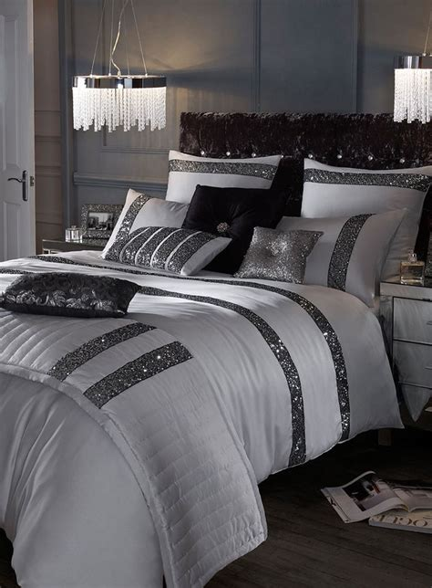 bed franes 25 best ideas about sparkly bedroom on pinterest girls