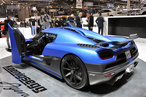 koenigsegg agera r price koenigsegg agera r is a matte blue streak of lightning