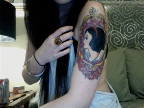 tattooed snow white snow white on