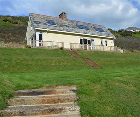 Trebarwith Strand Cottages by Special Feature Yellow Cottage Trebarwith Strand