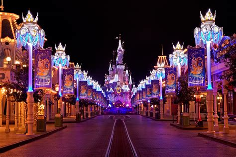 wallpaper christmas in paris beautiful disneyland paris christmas hd wallpaper