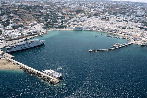 mykonos port mykonos harbours port in chora and new harbour in tourlos
