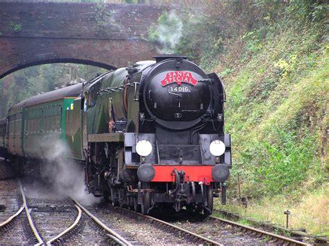 wallpaper engine download pending free steam train wallpaper wallpapersafari