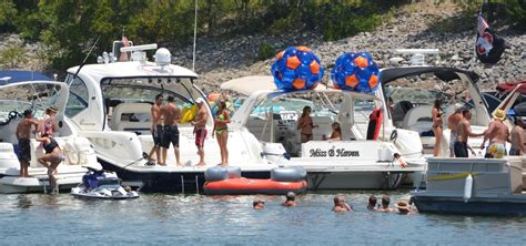 party boat rentals at lake lewisville party cove lake lewisville