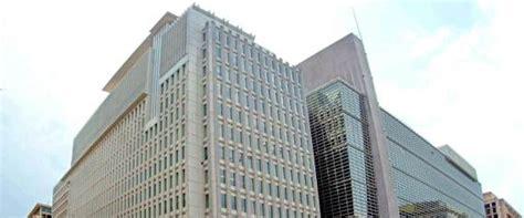 siege banque mondiale la banque mondiale revoit 224 la baisse ses pr 233 visions de