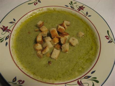 come cucinare broccoli verdi vellutata di cavolfiori e broccoli vegan ricette