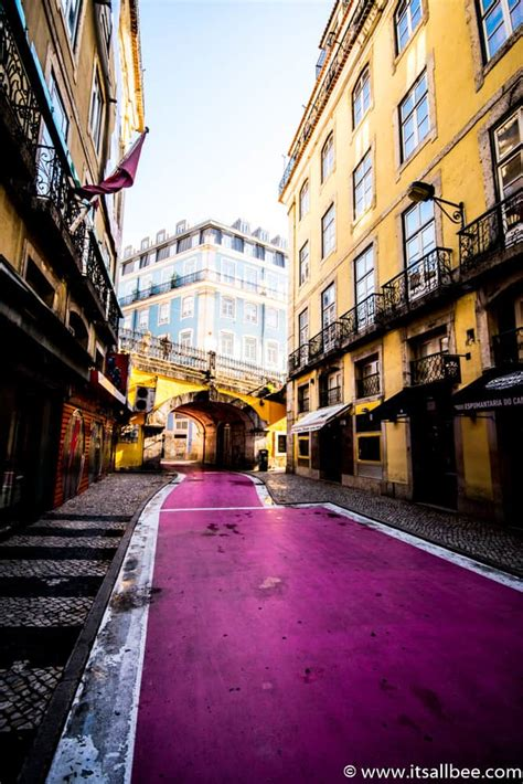 lisbons pink street  rua nova  carvalho  lisbon