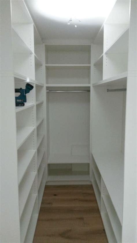 Kleiner Raum Begehbarer Kleiderschrank Kleiderschrank