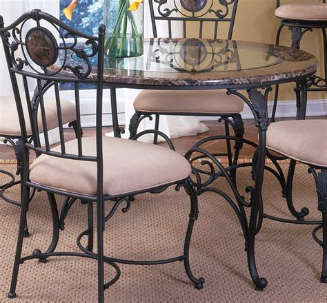 hillsdale dining table 4681 812 813