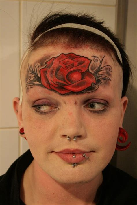 rouslan tomumaniantz loves tattooing faces sick chirpse