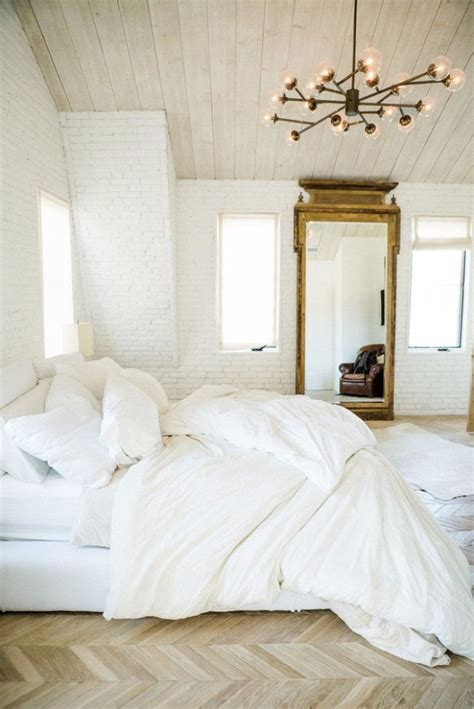 Bedroom On 11 Stunning Gold And White Bedroom Ideas Artnoize