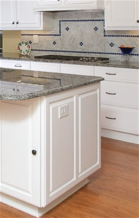 kitchen island outlet which outlet would you prefer in a kitchen island