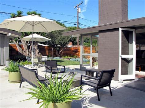 houzz backyard patio my houzz a mid century marvel revived in long beach