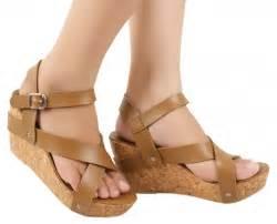 Promo Murah Sandal High Heels Wanita Coklat Kulit Imitasi Everflow Kt contrex tralala sepatu wedges trendy coklat