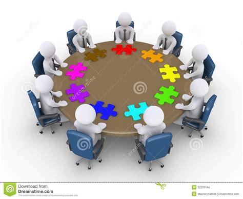 imagenes de reuniones informativas los hombres de negocios en una reuni 243 n sugieren diversas