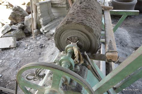 Mesin Gergaji Batu Alam mesin bubut dan proses pembubutan batu alam merapi di