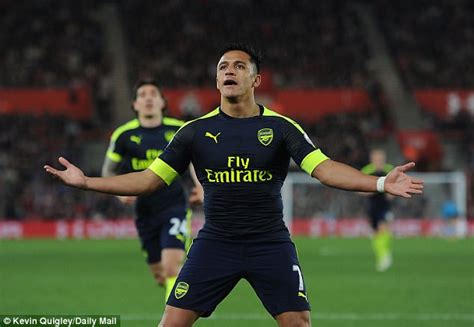 alexis sanchez epl goals alexis sanchez hits 20 premier league goals daily mail