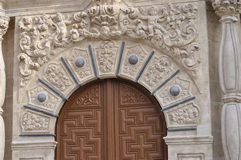 barandilla encima de la cornisa crucigrama arte en valladolid la iglesia de san juan de letr 193 n la