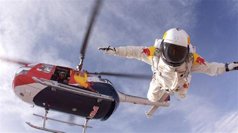 skydiver felix baumgartner ready  jump
