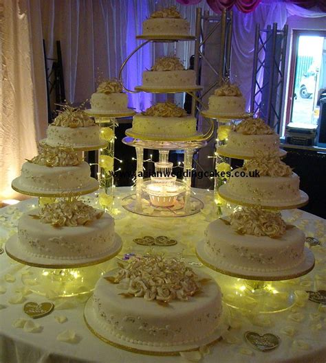 Big Wedding Cakes by 17 Best Ideas About Big Wedding Cakes On White