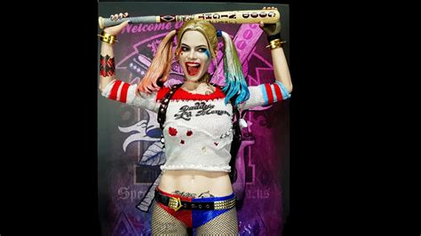hot toys harley quinn hot toys harley quinn showcase review youtube