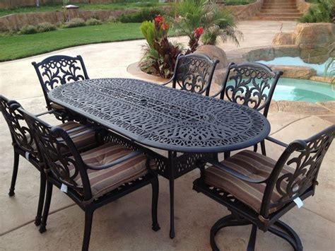 tavolo in ferro da esterno tavoli da giardino in ferro battuto tavoli da giardino