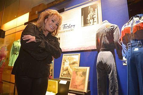 tanya tucker talks hof exhibit career country women