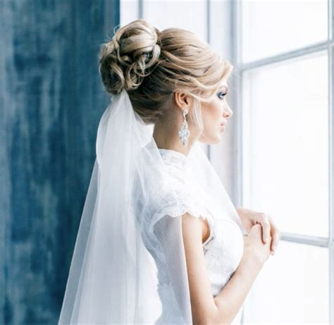 Wedding Hairstyles With Veil Underneath by Fryzury ślubne Pod Welon