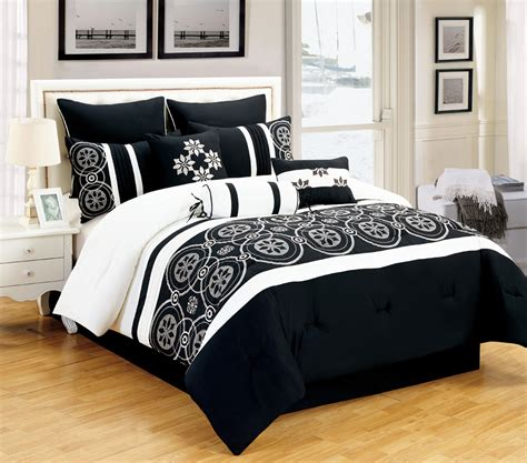 Black And White King Size Bedding Sets Black And White Comforter Sets King Pictures To Pin On Pinterest Pinsdaddy
