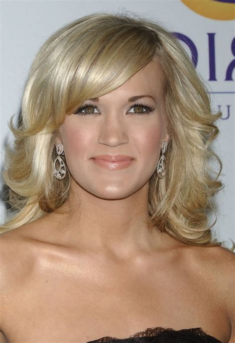 carrie underwood hairstyles hairstyles weekly hottest carrie underwood medium blonde curly hairstyle with side