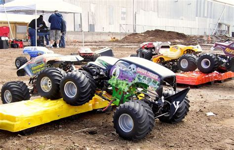 monster truck car racing 1000 images about hobby grade rc on pinterest trucks