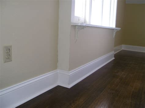 Colonial Molding by Mdf Baseboard