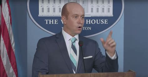 stephen miller statue of liberty pauly shore mocks stephen miller s statue of liberty