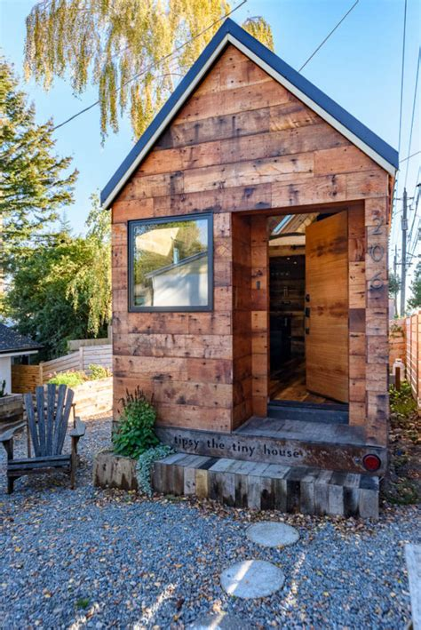 tiny house rentals seattle tipsy the tiny house you can rent in seattle