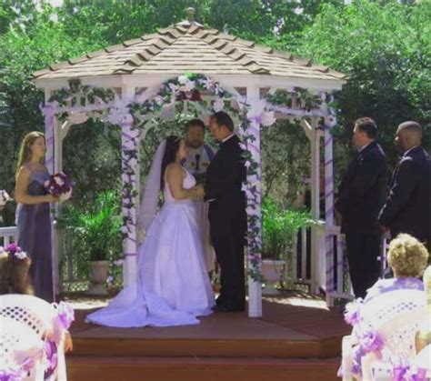 Gazebo Wedding Decorating Pictures Photograph   Outdoor Wedd