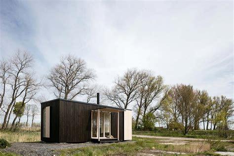wonderful Houses With Blue Doors #2: ark-1.jpg