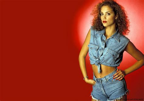 elizabeth berkley hot picture gallery wallpapers anand