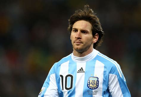 biography messi footballer lionel messi biography football europe champions league