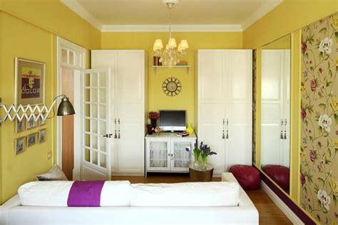 bright decorating colors turning small apartment into oasis