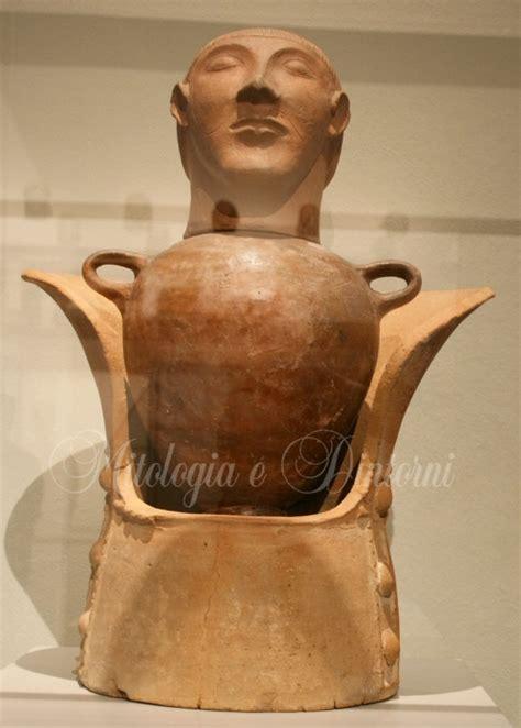 vaso canopo etrusco la bellezza dei vasi serie di domande sui vari vasi