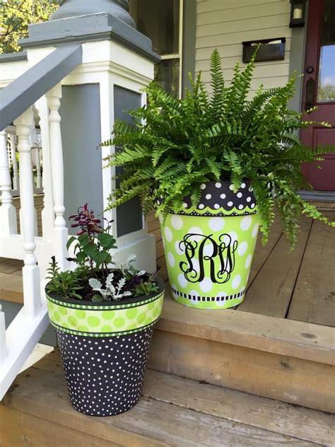 Porch Planters Ideas by 25 Best Ideas About Painted Clay Pots On