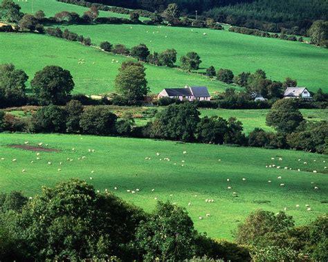 green wallpaper ireland irish countryside wallpapers wallpaper cave