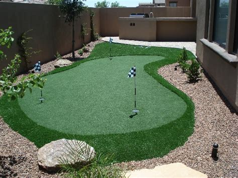 custom putting greens for backyards by retreats