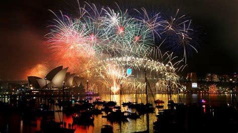 do they celebrate new year in malaysia 새해 전야 불꽃놀이 시드니 150만 명 멜번 50만 명 예상 sbs your language